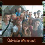 Fotopostkarte von der Burg in Miskolc Ungarn mit eingefügtem Gruppenfoto