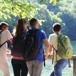 Szalajka-Tal - Kleingruppe geniesst die Aussicht am See